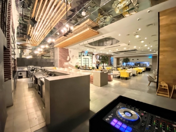 Ready Restaurant with Alcohol License